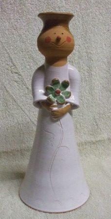 Váza vagy gyertyatartó lány