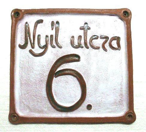 Egyedi házszám